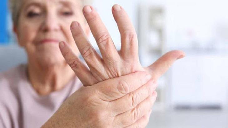 Bệnh lý sưng khớp ngón tay
