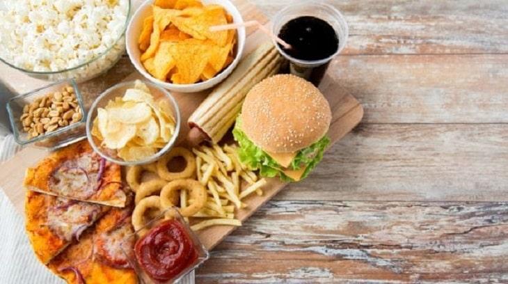 Nên tránh dùng thức ăn nhanh