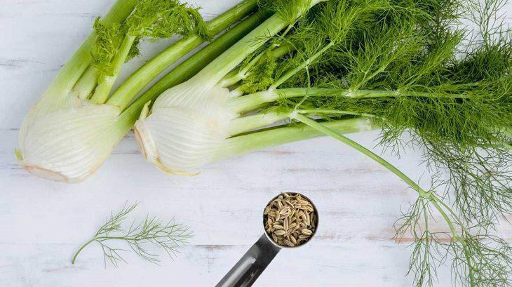 Dùng hạt thì là nhai hoặc pha với nước chanh