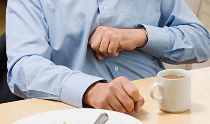 Cảm giác đầy bụng khó tiêu là biểu hiện thường thấy