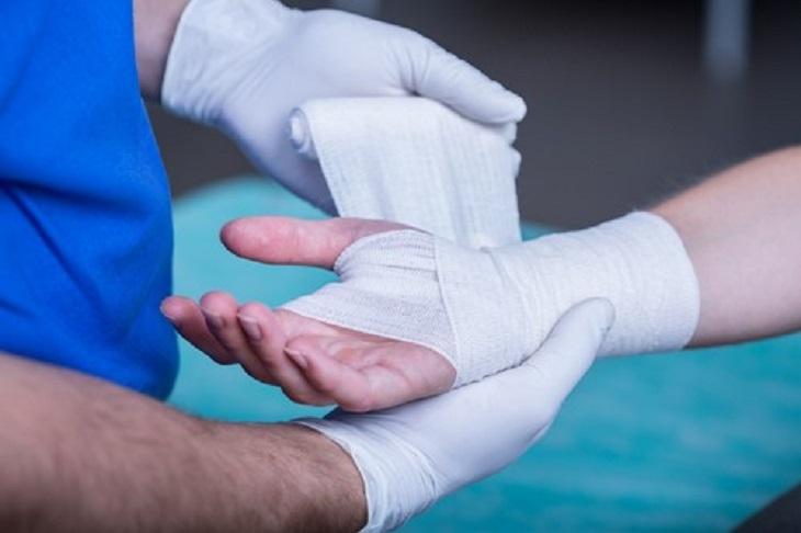 Thực hiện phẫu thuật khi cần