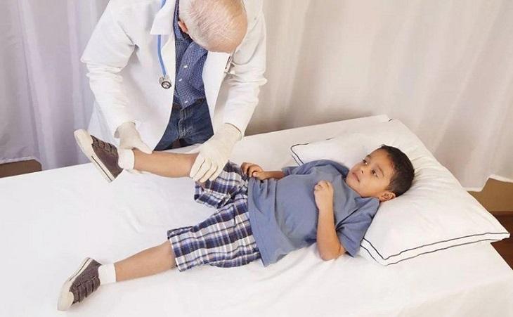 Viêm khớp háng ở trẻ em là gì?