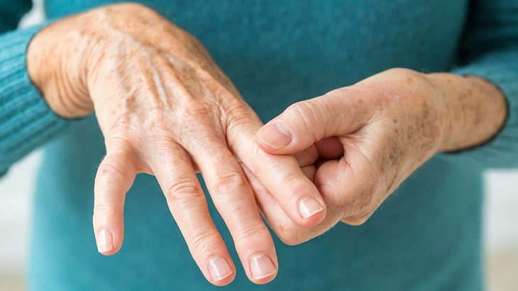 Viêm khớp ngón tay cái trên nguyên nhân bệnh lý nền