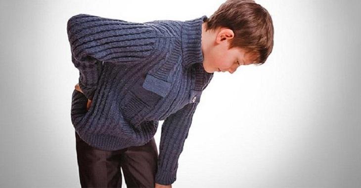 Có nhiều nguyên nhân gây bệnh viêm khớp thiếu niên