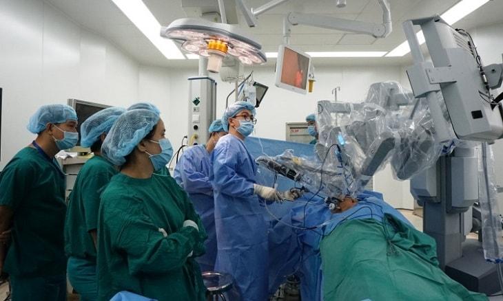 Áp dụng robot trong điều trị sỏi thận ở nhiều kích cỡ là biện pháp hiện đại nhất