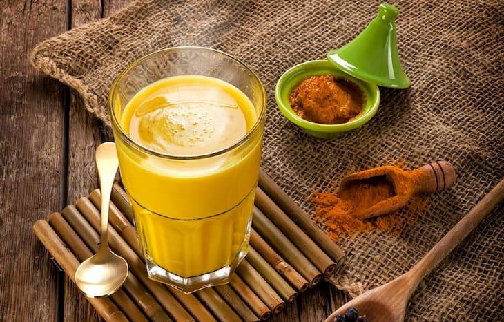 Uống hỗn dịch tinh bột nghệ giúp chữa đau dạ dày