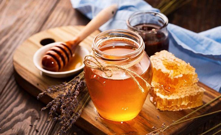 Chữa bệnh chàm bằng khoai tây và mật ong