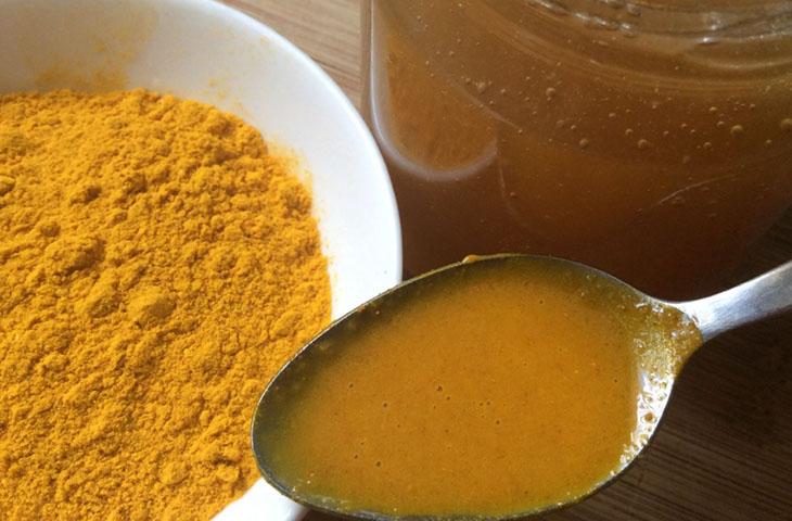 Cách chữa đau dạ dày cho bà bầu bằng nghệ và mật ong
