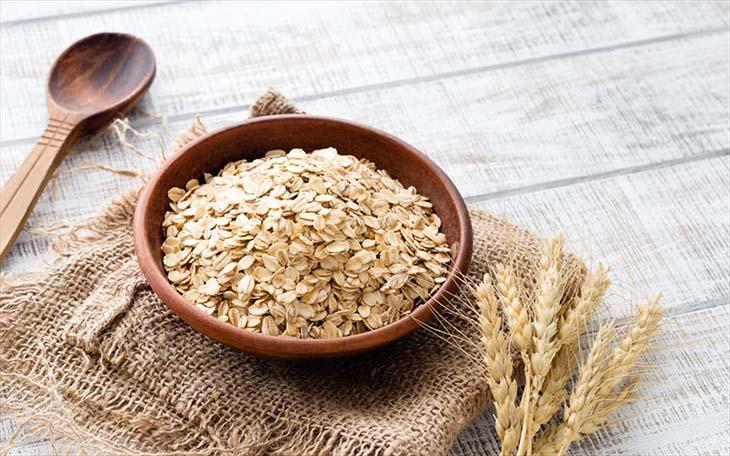 Chữa nổi mề đay bằng bột yến mạch đem lại hiệu quả cao