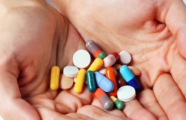 Thuốc Tây trị bệnh chàm thể bội nhiễm bao gồm các loại khác sinh, thuốc giảm đau hạ sốt và kháng Histamin