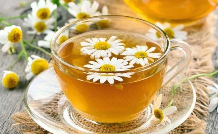 Trà hoa cúc giúp giảm đau dạ dày hiệu quả
