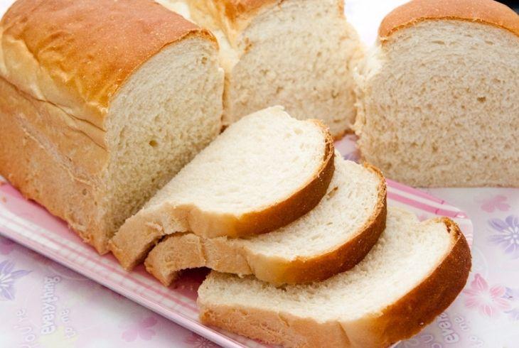 Bánh mì sandwich trắng dễ ăn, dễ tìm nhưng không nên ăn nhiều vì dễ tăng cân