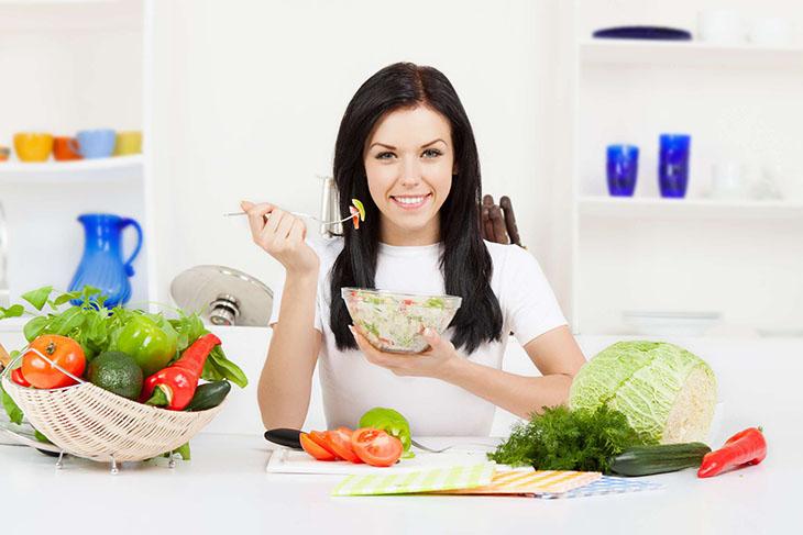 Ăn uống khoa học giúp chữa đau dạ dày