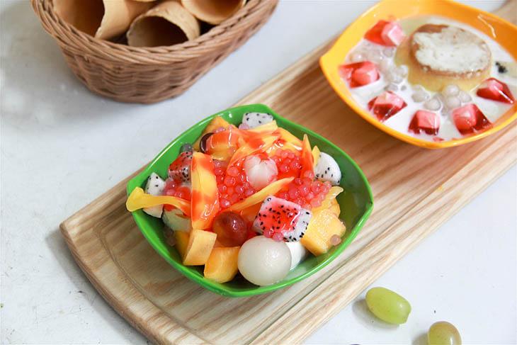 Kết hợp sữa chua với trái cây tốt cho người đau dạ dày