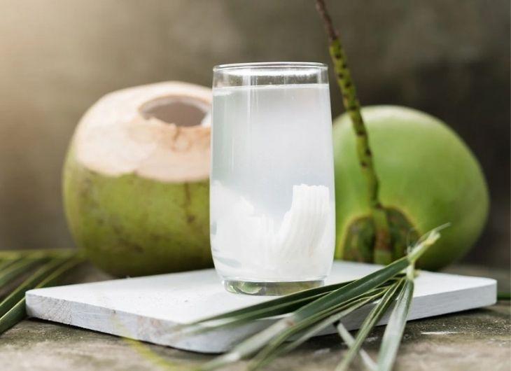 Thành phần chất axit lauric trong nước dừa có tác dụng kháng khuẩn