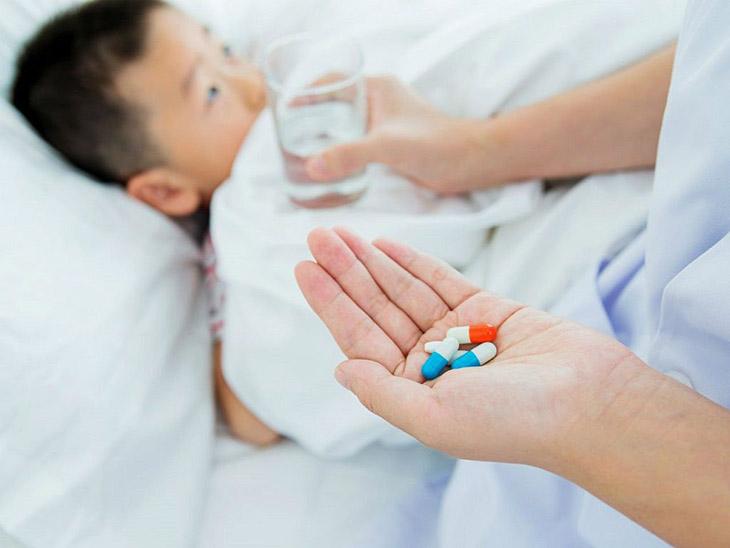 Dùng thuốc Tây trị đau bao tử cho trẻ