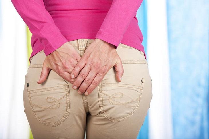 Ung thư trực tràng - hậu môn cũng có thể gây ra tình trạng đau rát này