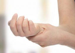đau khớp khuỷu tay uống thuốc gì