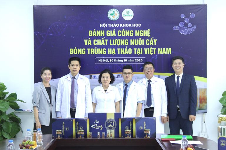 Hội đồng chuyên môn cấp cao tham dự công tác kiểm định chất lượng ĐTHT nuôi cấy tại Việt Nam