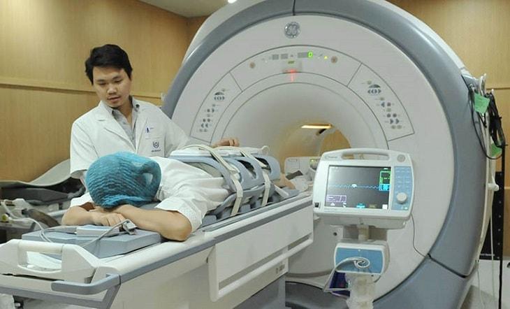 Thận trọng khi chỉ định chụp MRI cho bệnh nhân