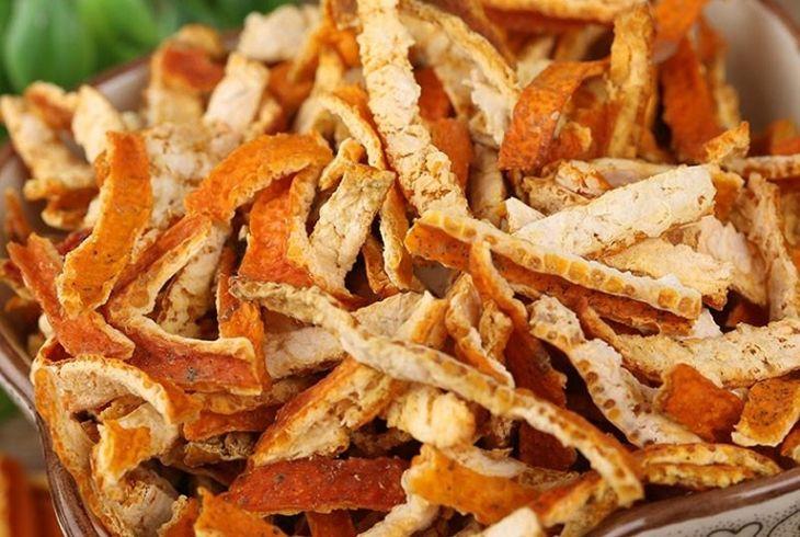 Trần bì hay vỏ quýt phơi khô có nhiều tác dụng với các chứng đầy bụng, khó tiêu