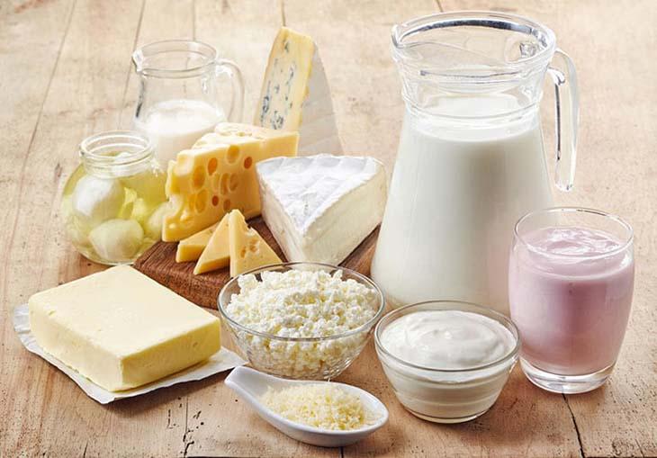 Nổi mề đay không nên ăn gì? Sữa và sản phẩm từ sữa