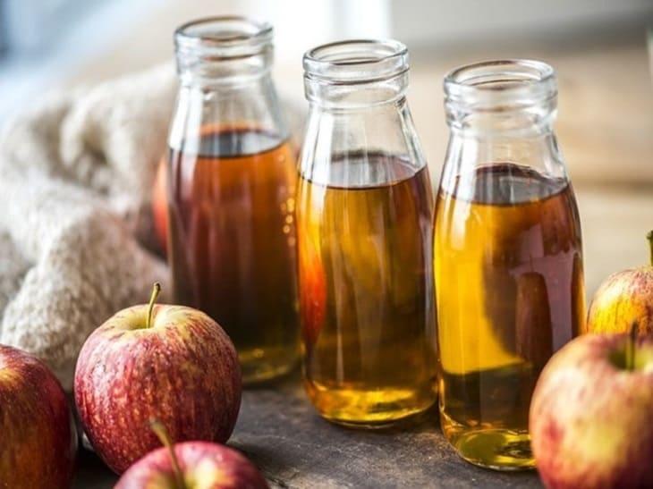 Giấm táo có tác dụng giảm cơn ngứa và nóng rát rất tốt