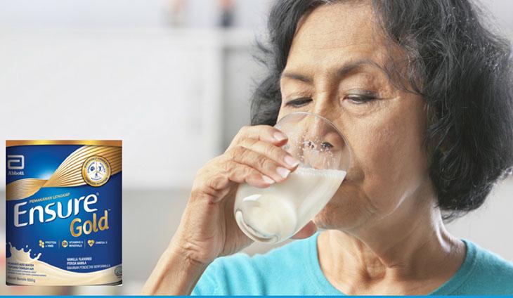 Sữa bột Ensure Gold được ưa chuộng