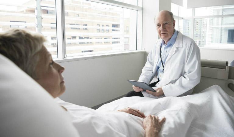 Chăm sóc bệnh nhân sau mổ đặc biệt quan trọng