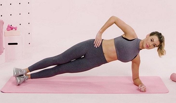 Side Plank là động tác liên quan đến khả năng giữ thăng bằng của bệnh nhân