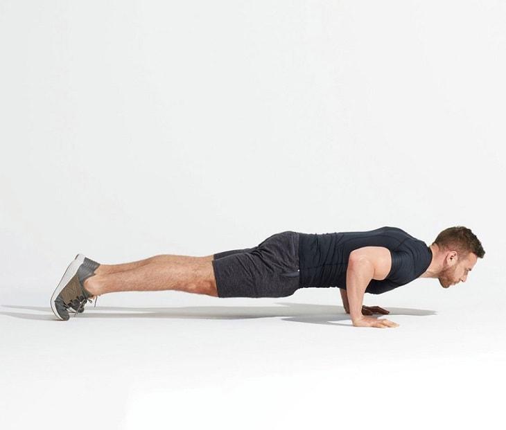 Đây là động tác căng cơ và hỗ trợ tăng khả năng vận động ngang của khớp