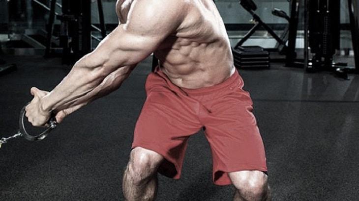 Chops and Lifts là động tác có sự chuyển động của cột sống