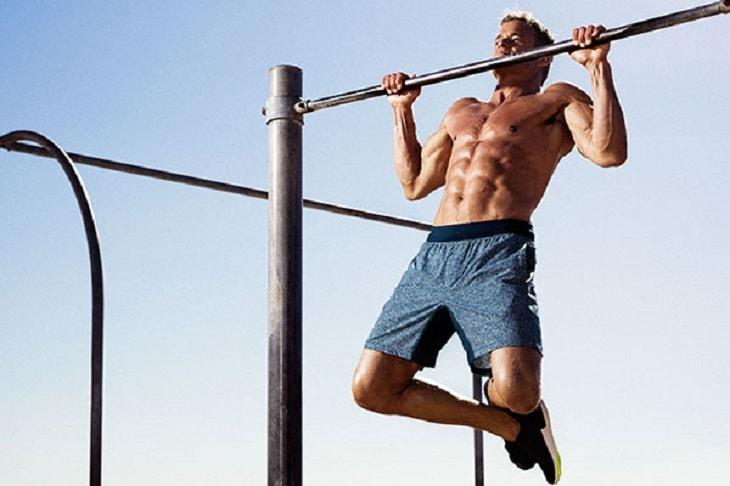Bài tập xà đơn cho người mới thường có cường độ nhẹ, chủ yếu có tác dụng giãn cơ