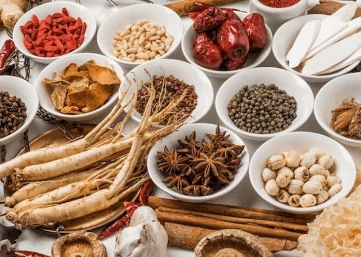 Bài thuốc Đông y có tác dụng cải thiện các triệu chứng tê bì, đau nhức