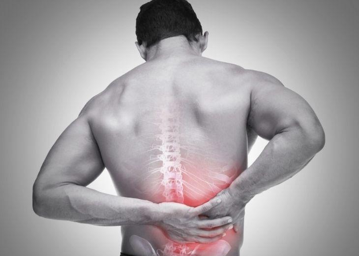 Thoát vị đĩa đệm chèn lên dây thần kinh ảnh hưởng nặng nề tới sinh hoạt và sức khỏe bệnh nhân
