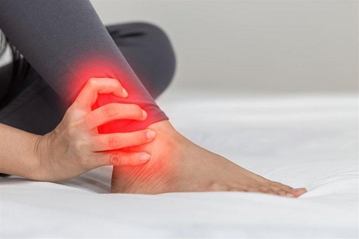 Bị thoát vị đĩa đệm chính là nguyên nhân gây nên tình trạng tê bì chân