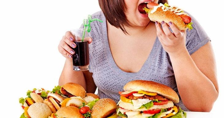 Đồ ăn dầu mỡ sẽ gây tăng cân và không tốt cho bệnh viêm loét dạ dày