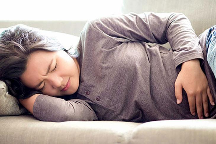 Người đau dạ dày không nên thức khuya sau 10 giờ.