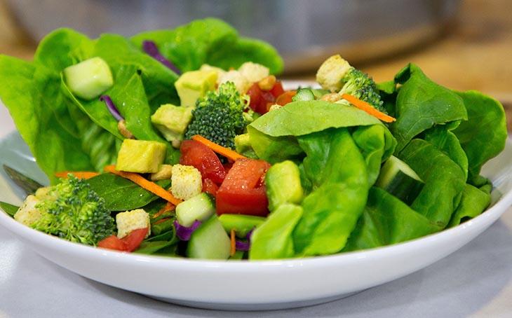 Bà bầu đau dạ dày nên ăn nhiều rau xanh