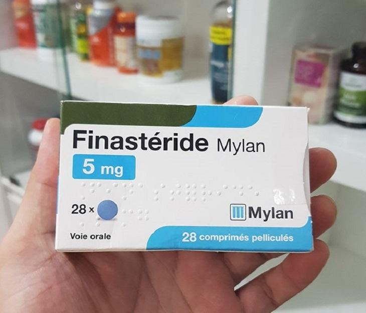 Thuốc ức chế men chuyển 5a - reductase