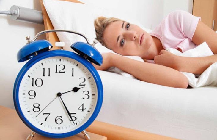 Cần di khám bác sĩ để phát hiện các triệu chứng tiểu đêm