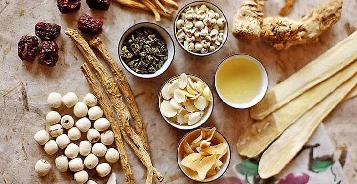 Bài thuốc Đông y chữa viêm đường tiết niệu mãn tính, nguyên nhân gây đái ra máu