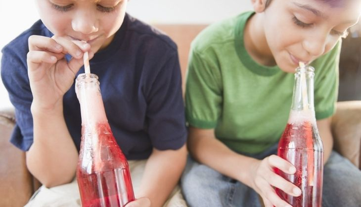 Trẻ bị tiểu rắt do rất nhiều nguyên nhân tác động