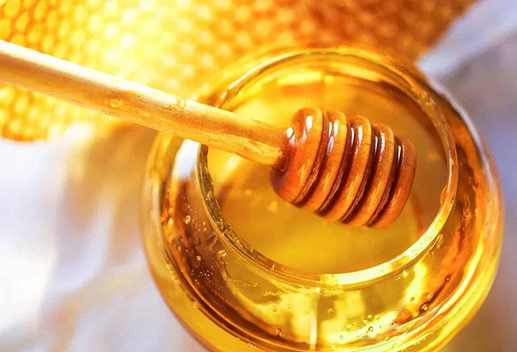 Trẻ em bị đau dạ dày nên ăn mật ong