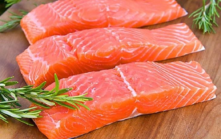Thực phẩm chứa omega 369 thường gặp như: Cá hồi, cá trích, cá mòi, cá thu...