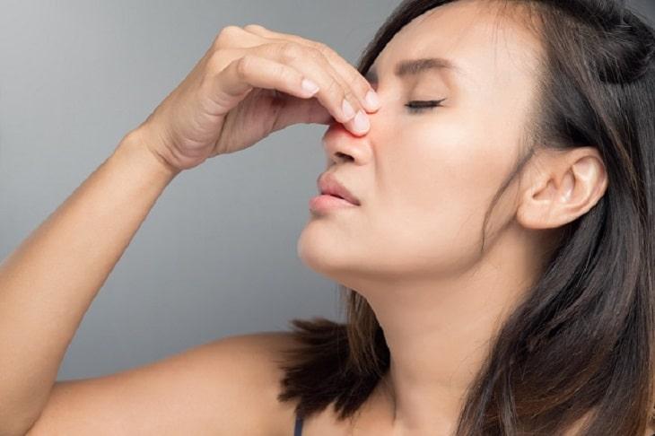 Bà bầu bị nghẹt mũi đau họng nên hạn chế tối đa việc dùng thuốc Tây