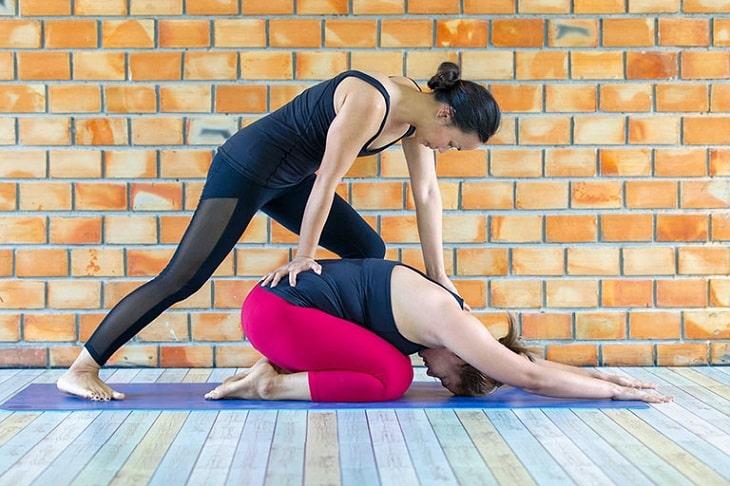 Thoát vị đĩa đệm tập yoga có nên tập mỗi ngày để cải thiện sức khỏe