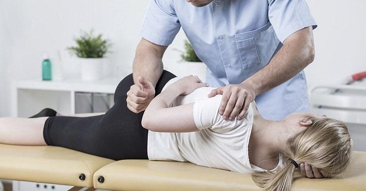 Bị gai cột sống nên làm gì? Tập vật lý trị liệu để hỗ trợ điều trị