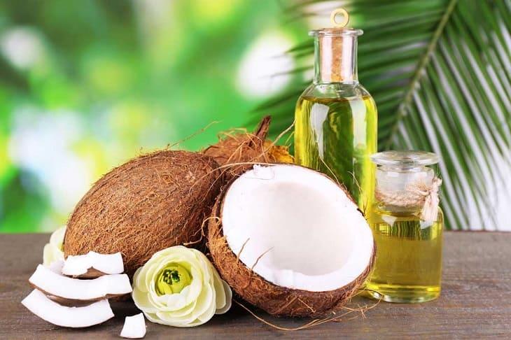 Làm dịu da nhanh chóng với dầu dừa nguyên chất