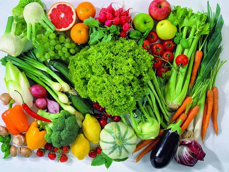 Trong thời gian điều trị, người bệnh cần tích cực sử dụng các loại rau xanh, hoa quả tươi